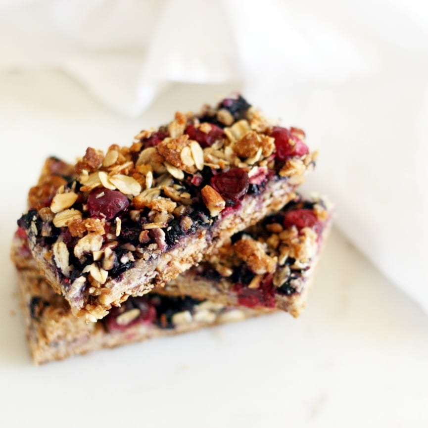 Almond berry breakfast bars