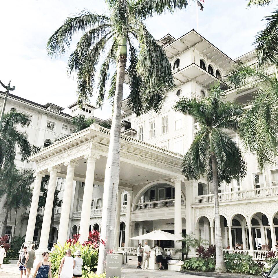 Moana Surfrider Westin Hotel in Honolulu O'ahu