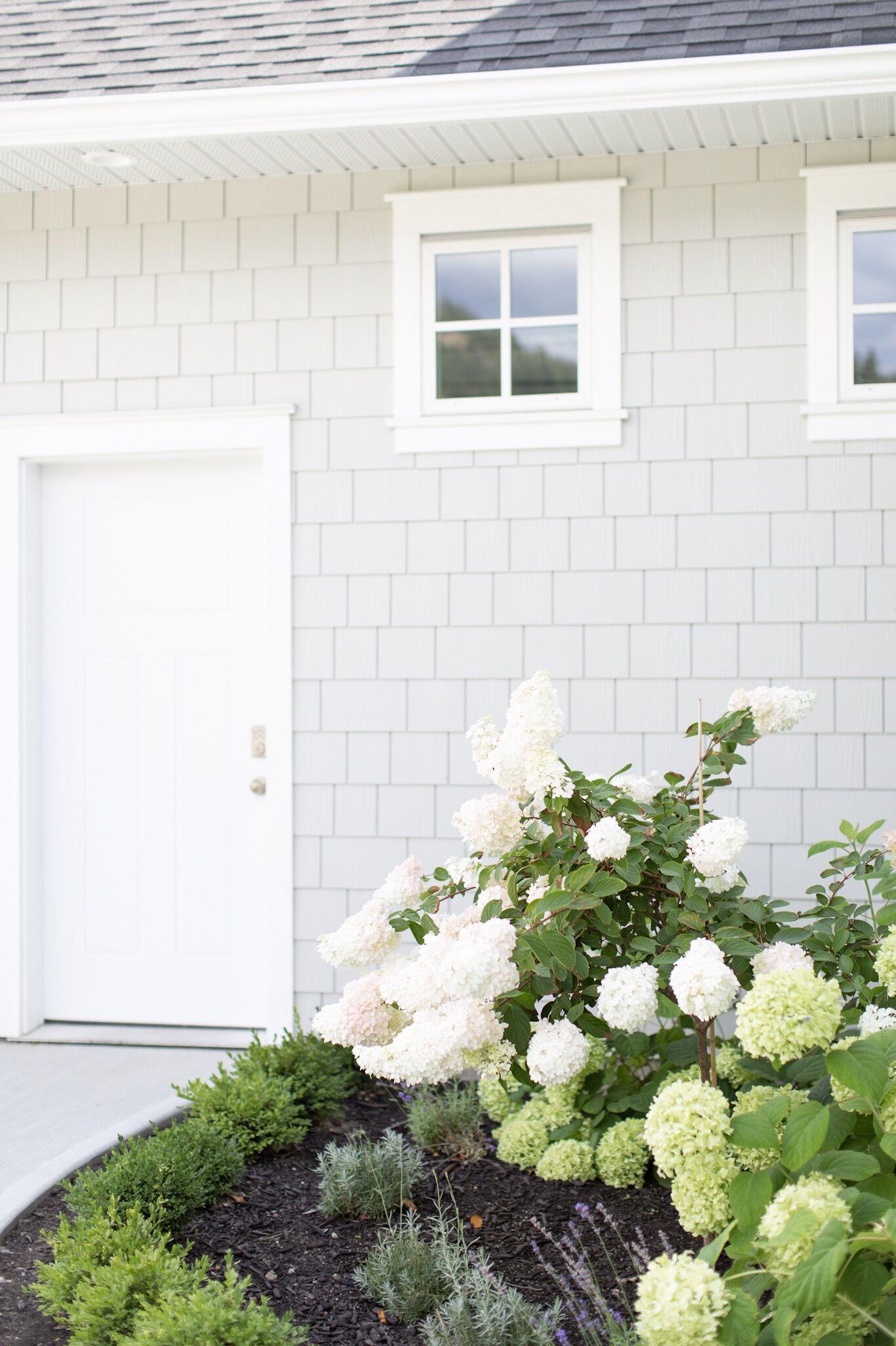 Tori Wesszer's exterior house reveal