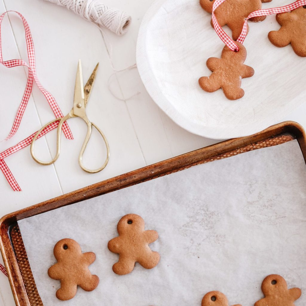 How to make gingerbread man ornaments